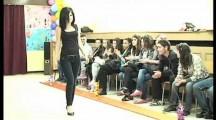 Модно ревю в Търговската гимназия в Бургас