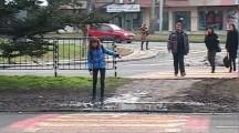 Как се преминава по пешеходните пътеки…